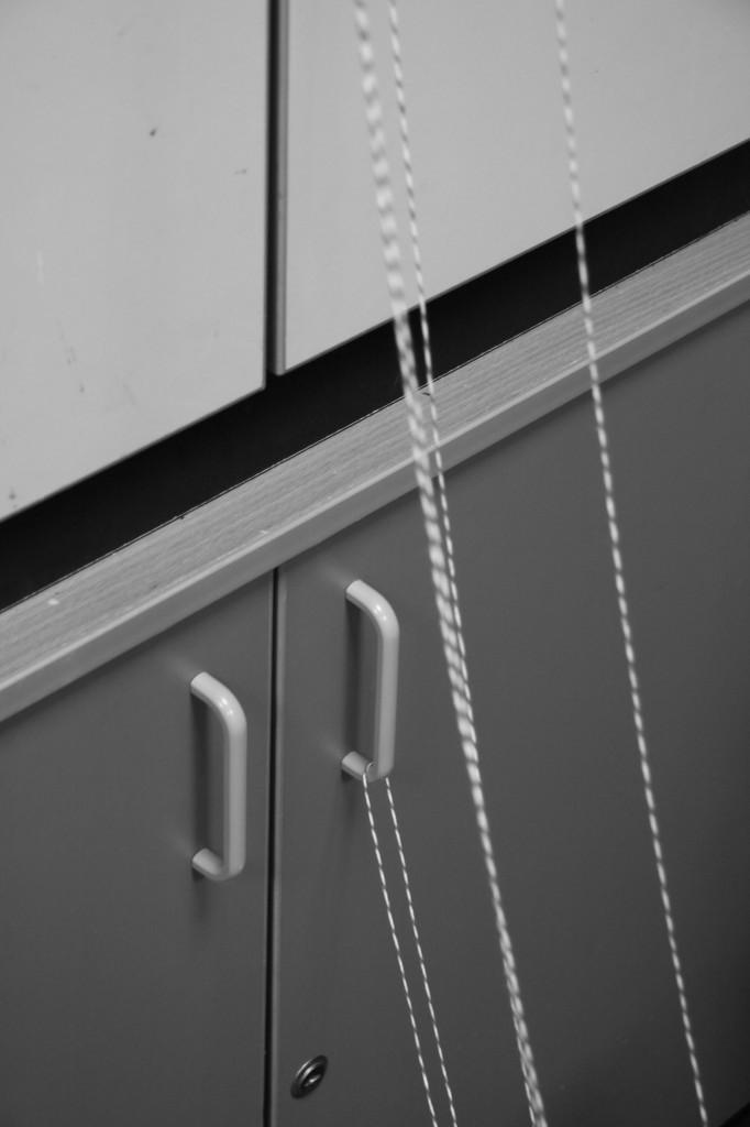 strings_doors